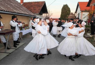 U nedjelju, 24. rujna, Skrajski pajdaši priređuju tradicionalnu berbu grožđa na Šatornjaku