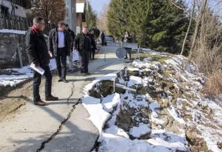 Gradonačelnik M. Batinić u obilasku klizišta: Prve procjene – šteta blizu 6 mil. kuna!
