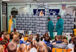 Poučne predstave o otpadu u vrtićima Ivanec i Radovan te za učenike OŠ Radovan i Gačice