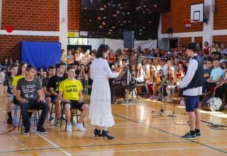 Plesom i talent showom ivanečki osmaši oprostili se od svoje osnovne škole
