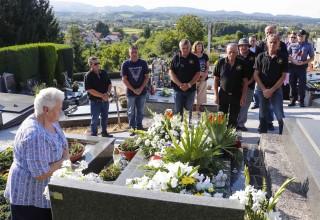 Molitvom, polaganjem cvijeća i paljenjem svijeća obilježena je 28. obljetnica smrti ivanečkog branitelja Željka Putara – Grdaka