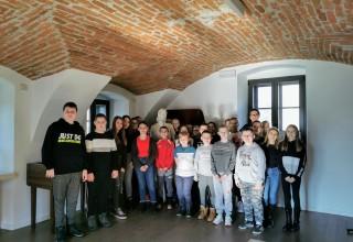 """MUZEJ PLANINARSTVA 67 učenika u edukativnom programu uz izložbu Život """"Pod Belom"""""""