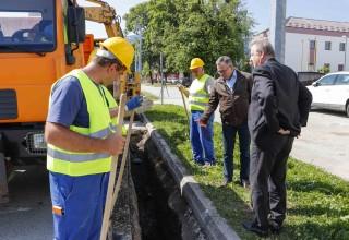 Uoči početka velikih radova na rekonstrukciji Kumičićeve ulice: Ivkom – vode polažu novu vodovodnu mrežu