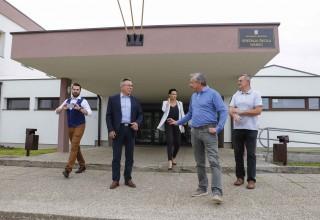 UNATOČ IGNORIRANJU ŽUPANIJE Ministar Štromar obišao Srednju školu Ivanec