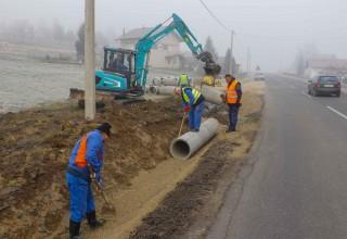 RADI SE I U ZIMSKIM MJESECIMA Radovi na oborinskoj odvodnji u prigradskim naseljima