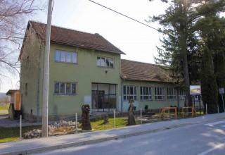 Krenule pripreme za adaptaciju stare škole u Salinovcu za rad udruga i mjesnog odbora