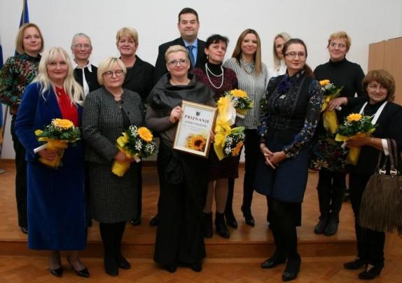 """Pozivni natječaj za davanje prijedloga za dodjelu javnog priznanja """"Ženska kreativnost u ruralnom životu"""""""