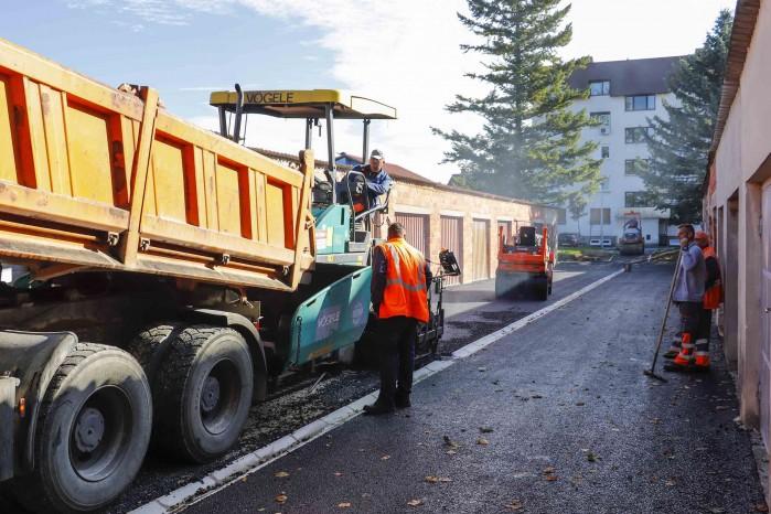 Asfaltiran pješački spoj Nazorova – Šabanova, uređeno 13 novih parkirnih mjesta