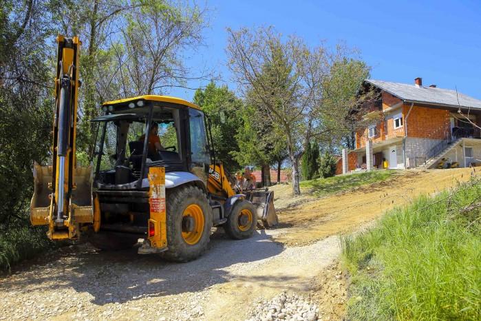 Počela je modernizacija nerazvrstanih cesta iz Programa Grada Ivanca za 2021.