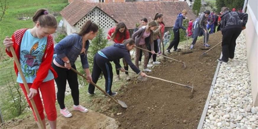 Dječji vrtić Ivančice i učenici Osnovne škole Radovan otvorili Zelenu čistku 2015. na području grada Ivanca