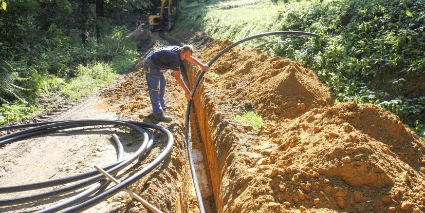 Gradi se 4,8 kilometara vodovoda za visoku zonu Cerja Tužnog, vrijedna blizu milijun kuna