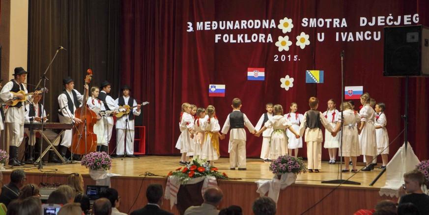 U Ivancu je održana 3. međunarodna smotra dječjeg folklora