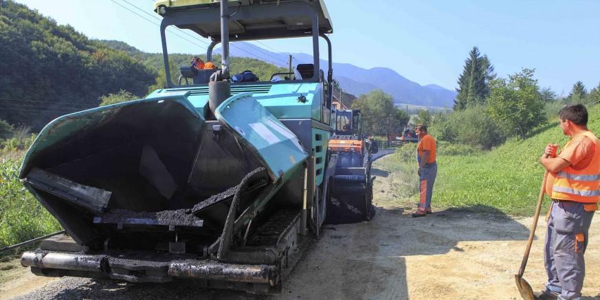 U tijeku je asfaltiranje županijske ceste u Bedencu, sutra asfalt stiže u Punikve