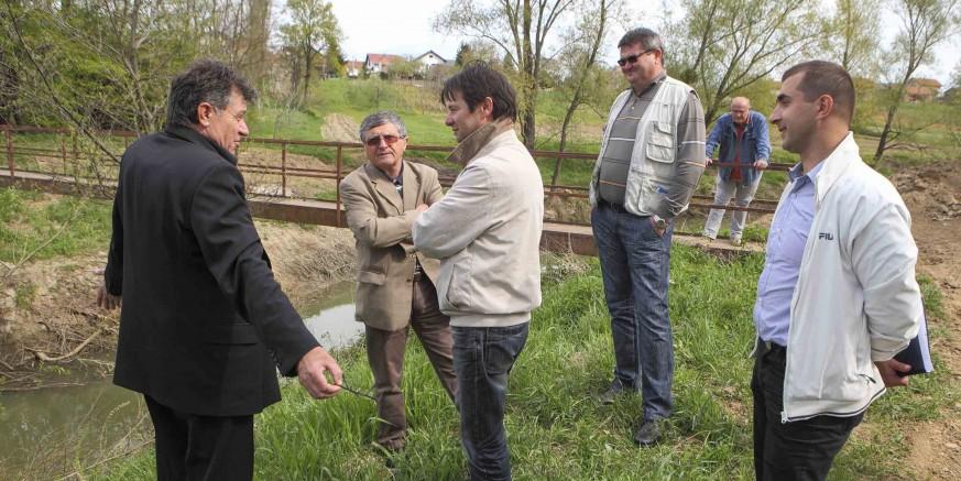 Grad Ivanec i Hrvatske vode sanirat će pješački most preko rijeke Bednje