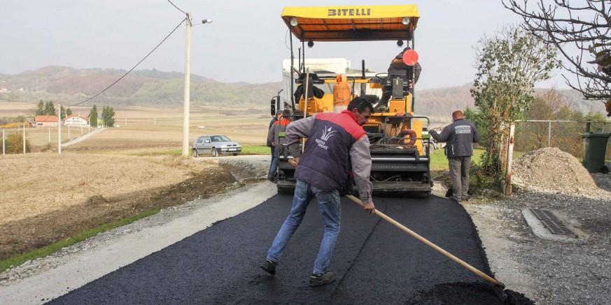 U tijeku je modernizacija nerazvrstanih cesta na širem području grada Ivanca