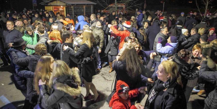 Svi na doček Nove godine na gradskoj špici, uz glazbu Petog elementa!
