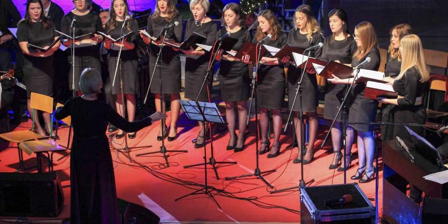 U suradnji Grada Ivanca i gradskih KUD-ova održan je sjajni Božićno – novogodišnji koncert