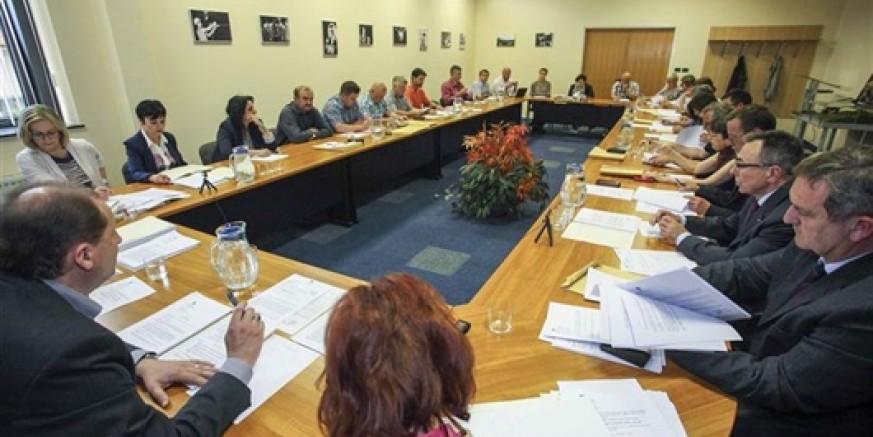 O protivljenju građana Šabanove postavljanju kontejnera za brzi Internet i na 15. sjednici Gradskog vijeća