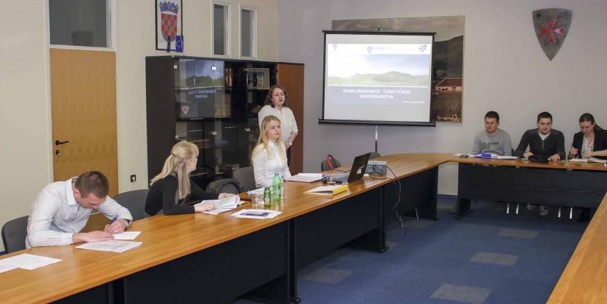 predavanje-projektni biro-150317.jpg