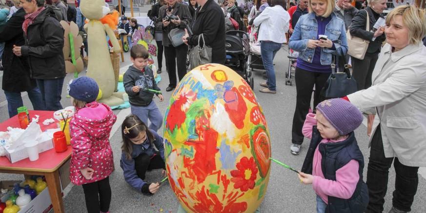 U subotu, 8. travnja, Uskrsni sajam i uskrsne igre mališana na gradskoj špici