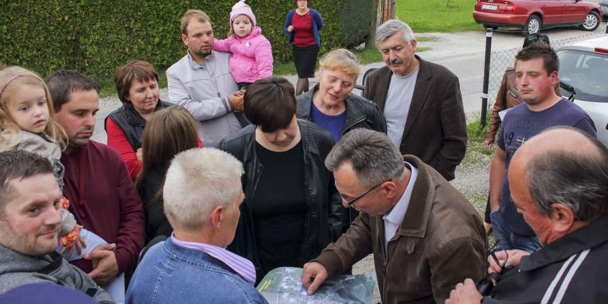 Gradonačelnik M. Batinić na sastanku sa stanarima Ulice Jezerski put