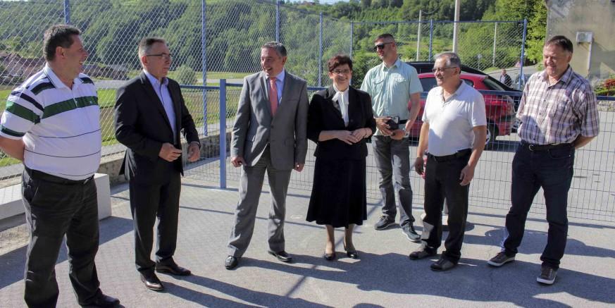 Župan P. Štromar i gradonačelnik M. Batinić obišli gradilište dječjeg igrališta u Radovanu