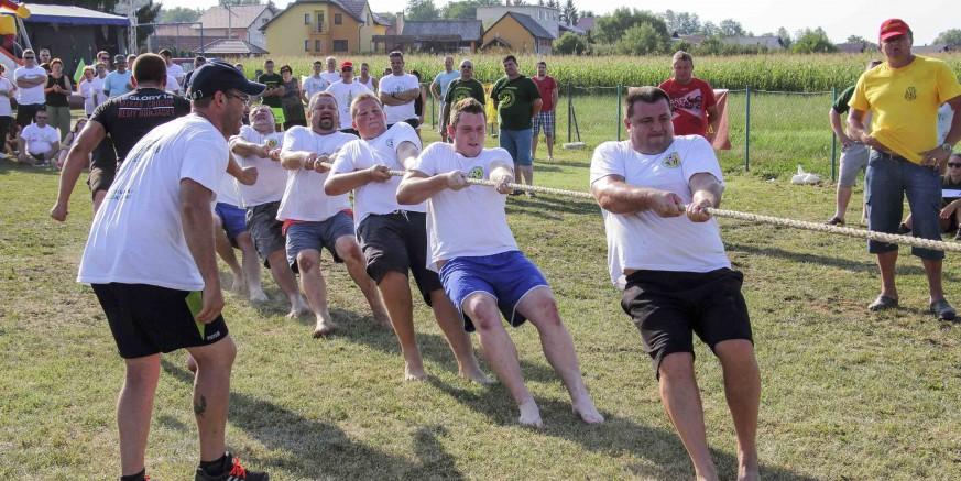 33. seoske igre starih sportova u Salinovcu
