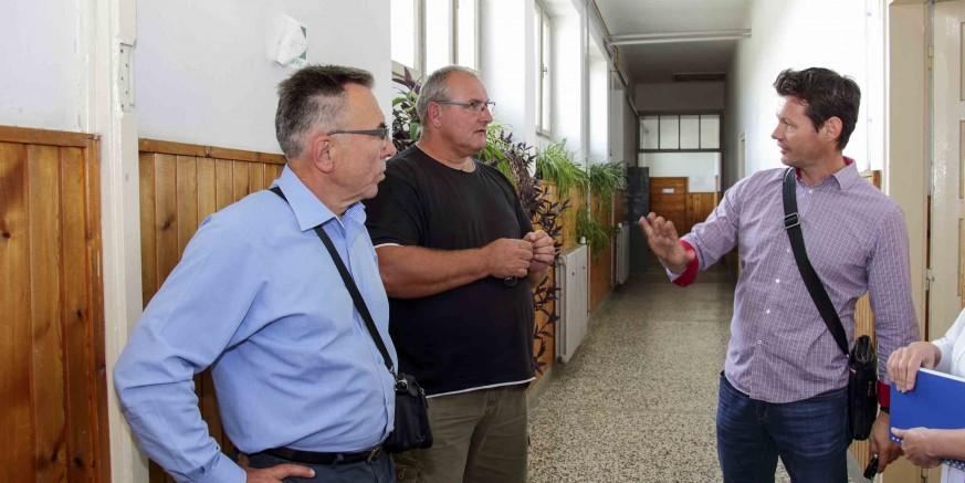 Gradonačelnik M. Batinić obišao društvene domove u više mjesnih odbora