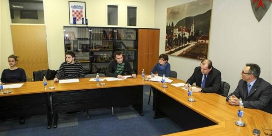 Za predsjednika Savjeta mladih izabran Nikola Sedlar, potpredsjednica Dunja Belščak