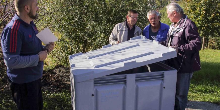Iz zaklade Zamah: Udruga Peharček postavila kontejnere za odlaganje ambalaže od pesticida