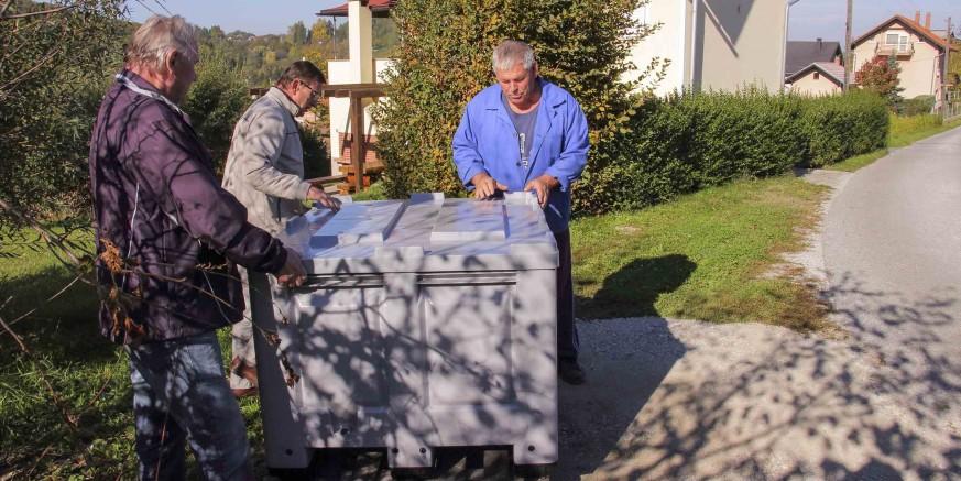 kontejner-pesticidi-sinaske-121017.jpg