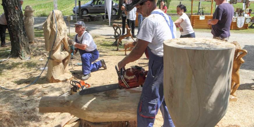 U Salinovcu održan 1. hrvatski festival u kiparenju motornom pilom