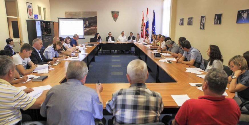 U utorak, 14. studenog, radni sastanak gradonačelnika M. Batinića s poduzetnicima