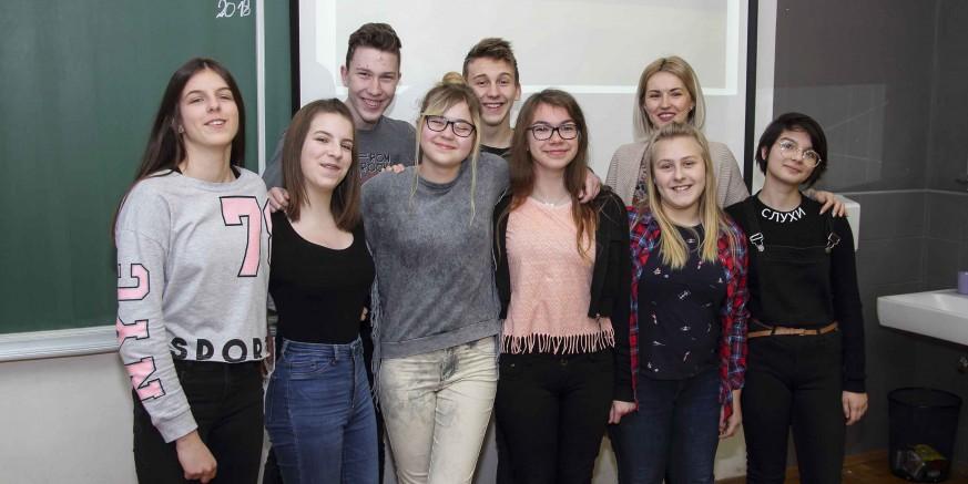 Učenici OŠ Ivanec najbolji na županijskom natjecanju iz njemačkog, 4 učenika idu na državno