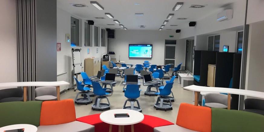 """U Srednjoj školi Ivanec otvorena """"učionica budućnosti"""" vrijedna gotovo milijun kuna"""
