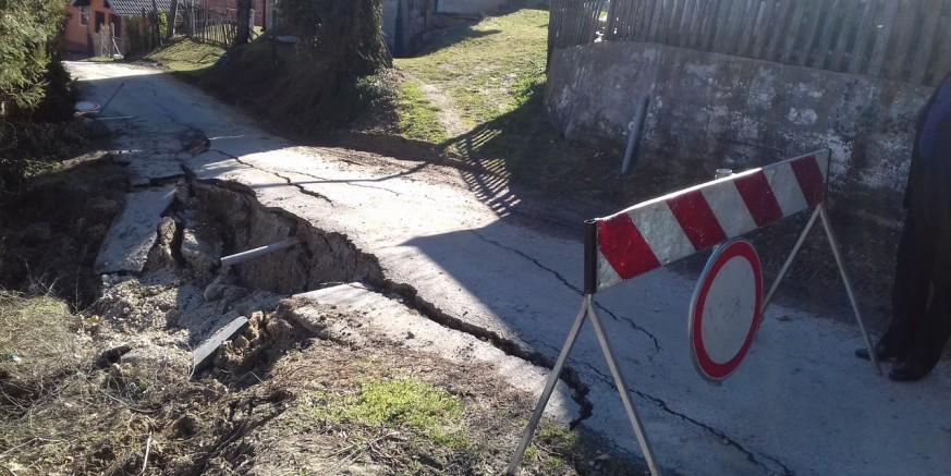 Štete: Aktivirala se brojna nova klizišta na širem području grada Ivanca