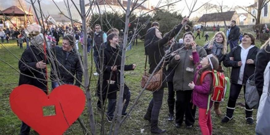 """U organizaciji Udruge Nada i pod pokroviteljstvom Grada Ivanca: manifestacija """"Zebice - tičeki se ženiju"""""""