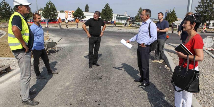 Gradonačelnik M. Batinić u obilasku gradskih gradilišta: Novi rotor, vrijedan 2,7 mil. kn, do kraja rujna