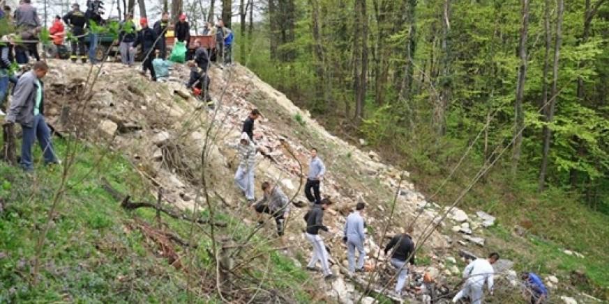 Pripreme za Zelenu čistku: Gradonačelnik M. Batinić svim mjesnim odborima poslao dopise sa zamolbom da lociraju onečišćene lokacije i dostave podatke o vrsti i količini otpada
