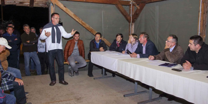 Gradonačelnik M. Batinić na Zboru građana Jerovca Donjeg i Gornjeg: U fokusu rasprave - otpad