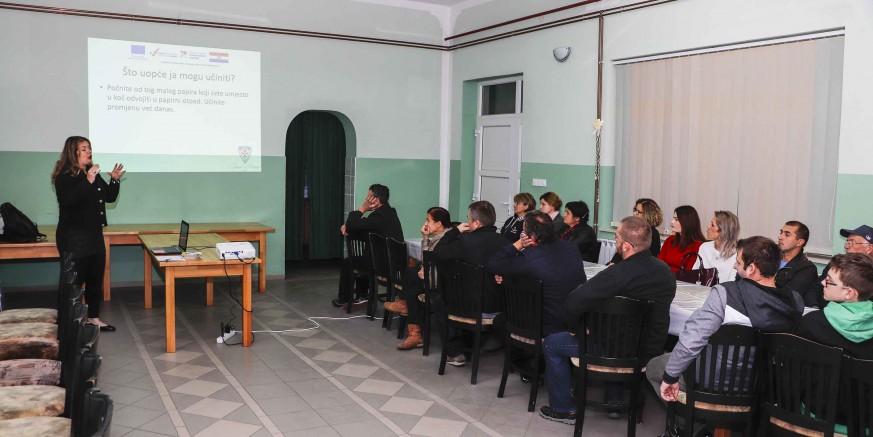 U Lukavcu i Margečanu održane javne tribine o održivom gospodarenju otpadom