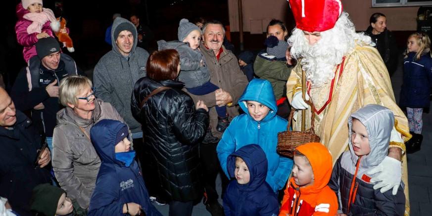 U Ivancu veselo uz besplatne crtiće i na druženju sa sv. Nikolom