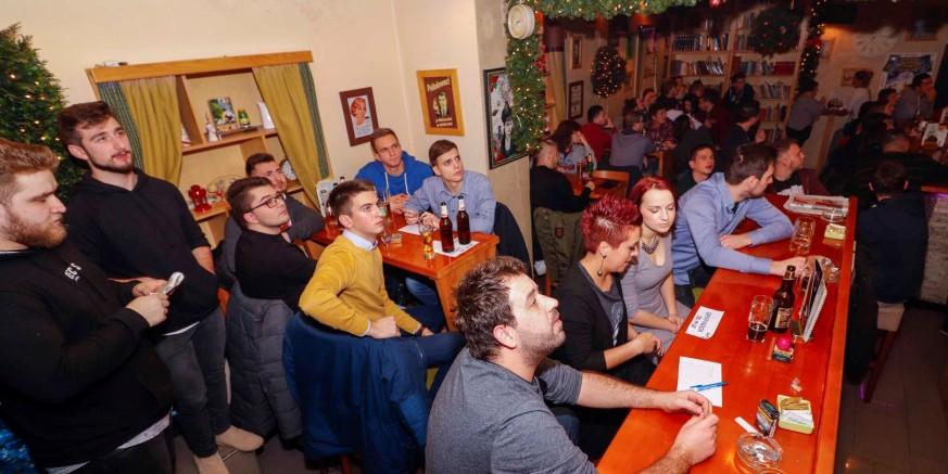 16 ekipa na 2. pub quizu Kluba mladih Ivanec
