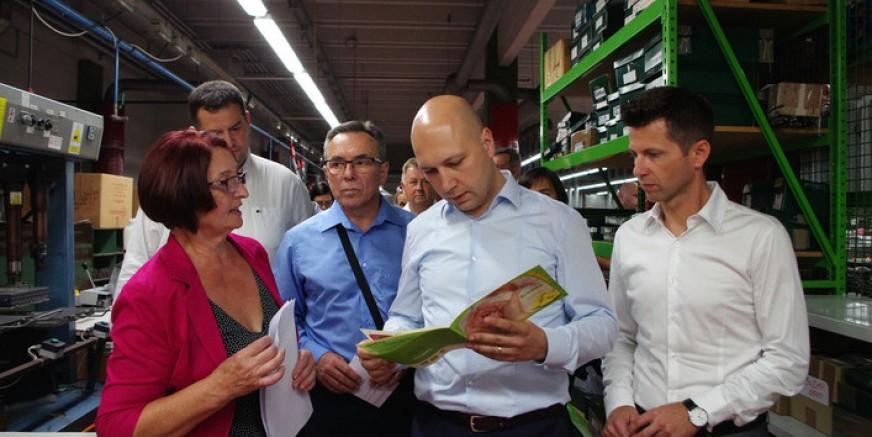 Ministar zaštite okoliša i prirode i direktor Fonda za zaštitu okoliša i energetsku učinkovitost  u obilasku pogona tvrtke Ivančica