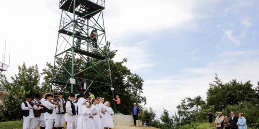 Piramida na Ivančici na web stranicama Agrokluba i Programa ruralnog razvoja EU fonda za ruralni razvoj