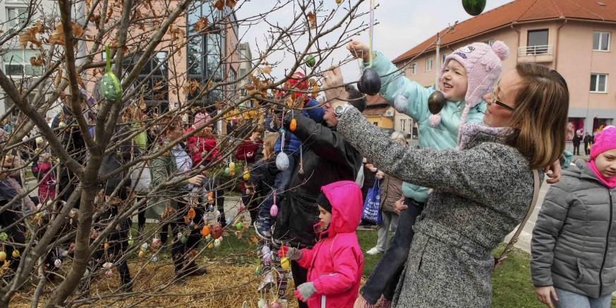 VIJEĆE ZA KULTURU  Uskrsni sajam u Ivancu u subotu, 20. 04. i besplatno kino za klince uz Petra Zecimira