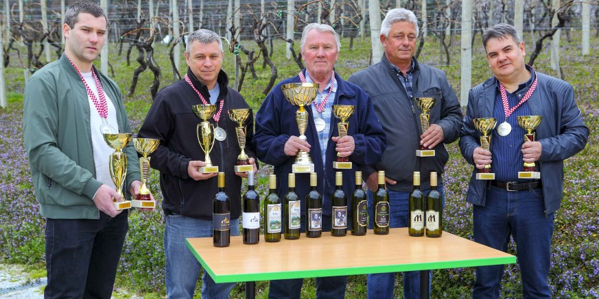 Hrvatski poljoprivredni zadružni savez: Ivanečkim vinima 9 zlatnih i 12 srebrnih odličja za vina berbe 2018.
