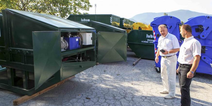 U Ivanec stiglo stotinjak novih kontejnera za odvojeno odlaganje otpada, vrijednih 448.500 kuna