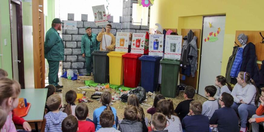 EU PROJEKT Održane predstave o održivom gospodarenju otpadom za učenike škola u Salinovcu, Kuljevčici i Margečanu