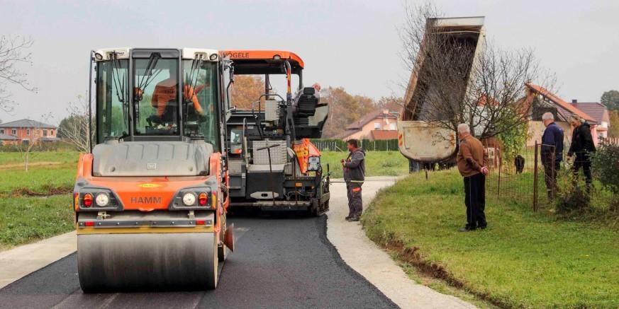 MINISTARSTVO GRADITELJSTVA Gradu Ivancu bespovratnih 391.000 kuna za asfaltiranje nerazvrstanih cesta